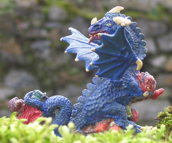 http://www.foto-figurines.com/figurines/heroic-fantasy/dragon-bleu-a.jpg
